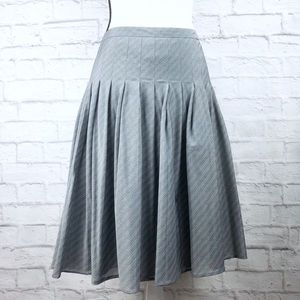 Banana Republic Gray Pinstripe Pleated Skirt
